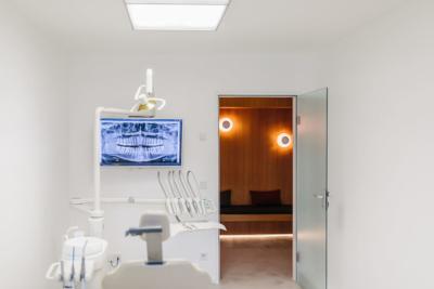 Behandlungszimmer der Praxis - Gemeinschaftspraxis Bittelmeyer und Deister - Zahnarzt München